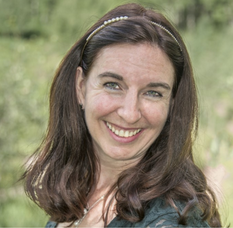 Cynthia Clark Headshot
