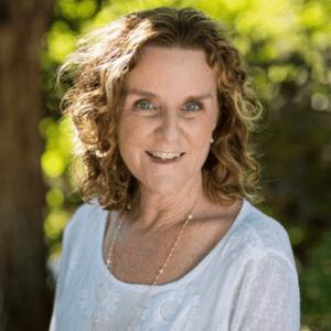 Maggie Kelly Headshot